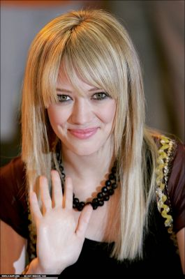 Anti-Hilary Duff Hilary Duff Mean